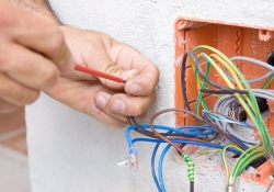 R&A Electrical Ltd - Electrician in Prestwood